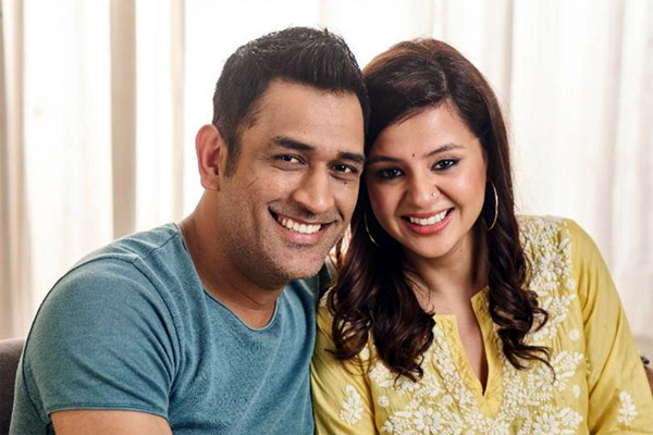 Dhoni Interested to Showbiz Industry