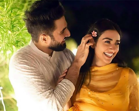Falak Shabir and Sara Khan Actors Pakistani