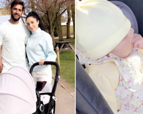 Imad Wasim National Cricketer Pakistan With Daughter at Zoo