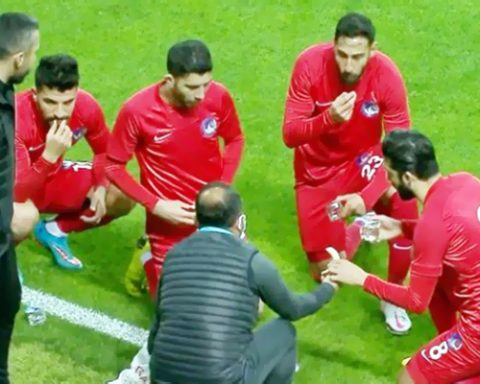 Turkish Footballer Break Fast During Match
