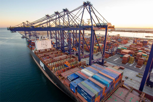 Due to the Eid holidays, the risk of the ports becoming square increased